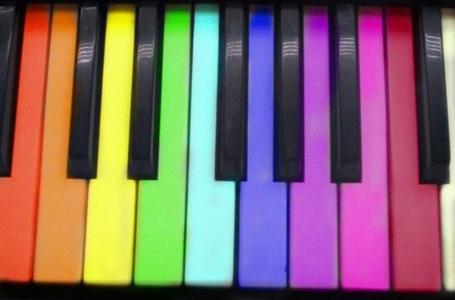 Фото Разноцветные клавиши (© Юки-тян), добавлено: 12.06.2011 01:14