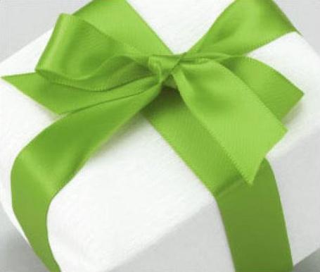 Фото Белый подарок с зелёной лентой (© Юки-тян), добавлено: 13.06.2011 11:10