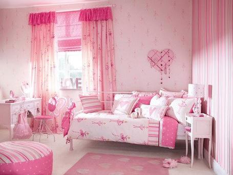 Фото Розовая комната (© Штушка), добавлено: 30.06.2011 18:27