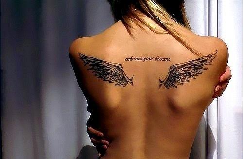Тату крылья на спину девушке