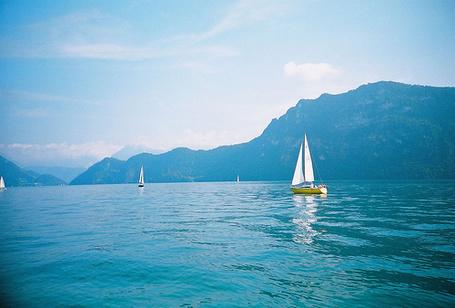 Фото Яхты на фоне гор (© Штушка), добавлено: 03.07.2011 14:16