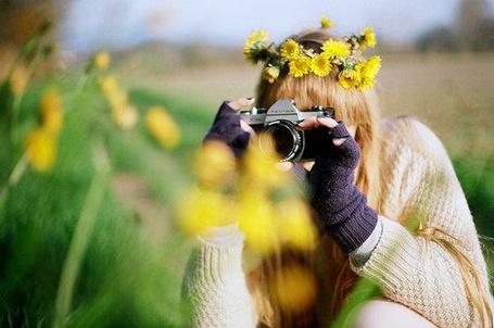 Фото Девушка с фотоаппаратом (© Штушка), добавлено: 03.07.2011 14:48