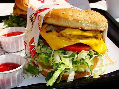 Фото Огромный гамбургер