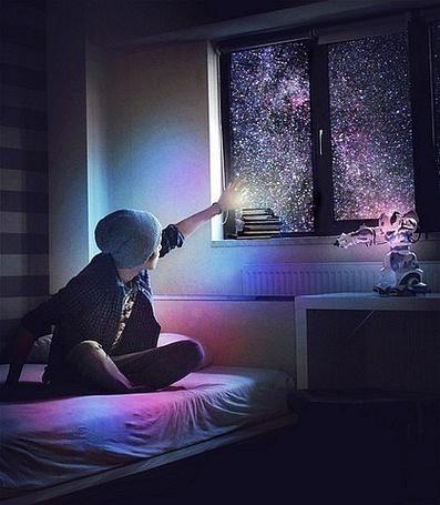 Фото Парень на кровати закрывается рукой от света (© Шепот_дождя), добавлено: 12.07.2011 21:20