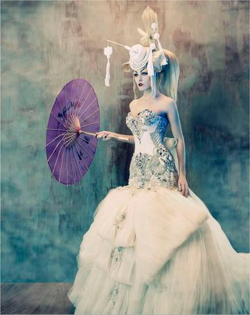 Фото Гейша в свадебном платье и зонт (© Radieschen), добавлено: 17.07.2011 11:06