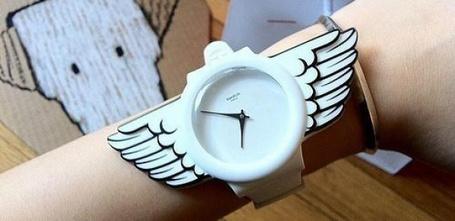 Фото Прикольные наручные часы с крыльями (© Шепот_дождя), добавлено: 23.07.2011 13:09