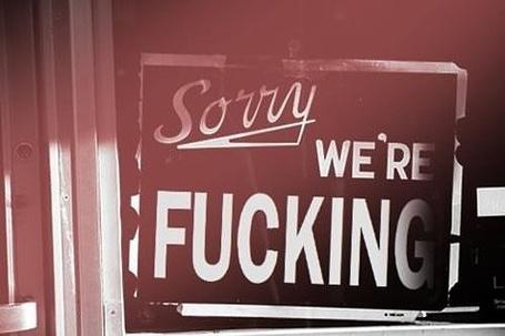 Фото Предупредительная табличка с надписью 'Sorry we're fucking' (© Радистка Кэт), добавлено: 29.07.2011 18:43