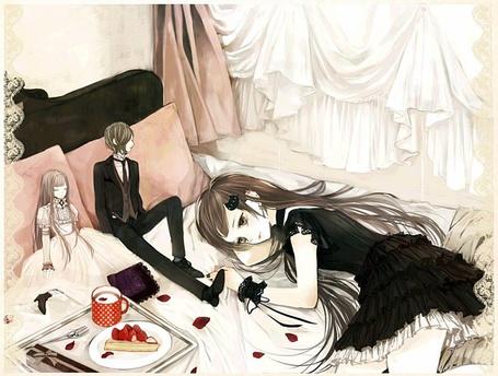 Фото Задумчивая девушка лежит на кровати (© Юки-тян), добавлено: 31.07.2011 13:49