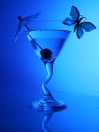 А после, как допьешь сок b ягод/b b Диониса/b, Ты розой...