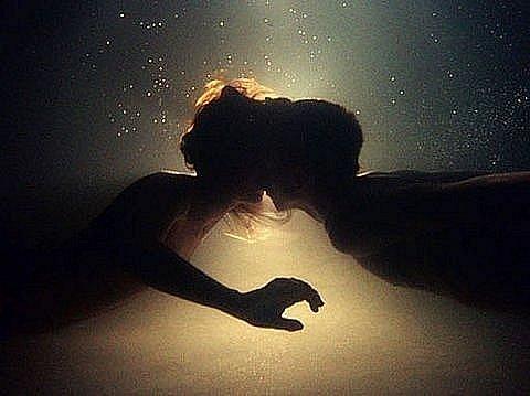 Тэги вода девушки любовь мужчины