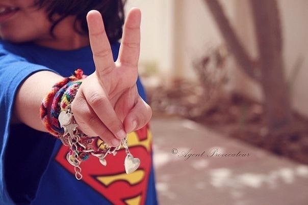 футболки со знаком супермена черные