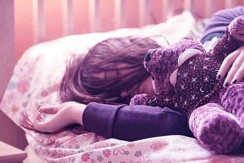 Спящая девушка на аву
