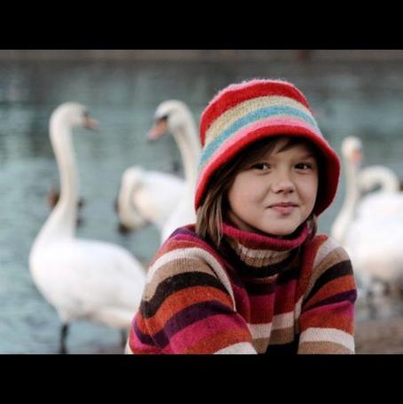 Фото Девочка в цветной шапочке (© Юки-тян), добавлено: 02.08.2011 00:38