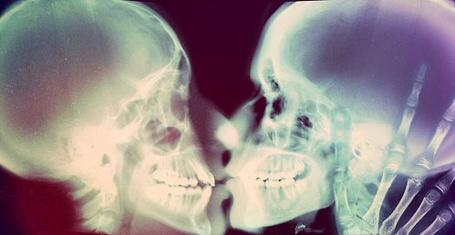 Фото Проникновенный поцелуй (© Радистка Кэт), добавлено: 04.08.2011 22:23