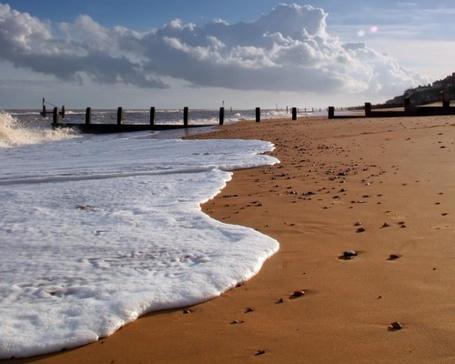 Фото Берег моря и мостик