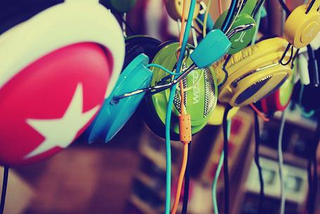Фото Много цветных наушников (© Радистка Кэт), добавлено: 13.08.2011 16:11