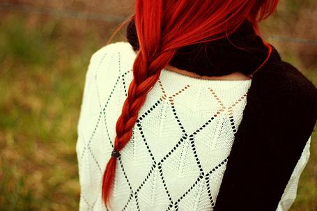 Фото Красноволосая девушка с косичкой на природе (© Радистка Кэт), добавлено: 15.08.2011 18:49