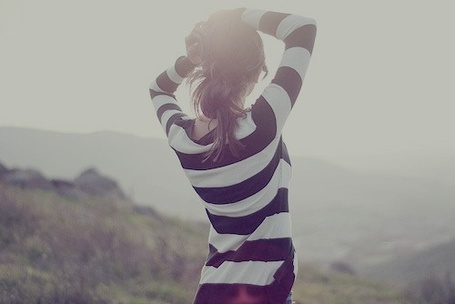 Фото Девушка в полосатой кофте (© Юки-тян), добавлено: 17.08.2011 13:31