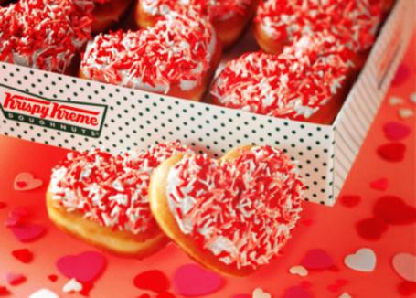 Фото Печеньки в виде сердечек с присыпкой (Krispy Kreme Doughnuts) (© D.Phantom), добавлено: 17.08.2011 16:38