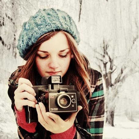 Фото Девушка в шапке с фотоаппаратом (© Юки-тян), добавлено: 22.08.2011 00:32
