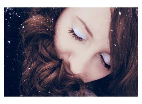 Фото Снежинки в волосах у девушки (© Юки-тян), добавлено: 22.08.2011 00:37