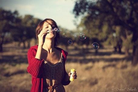 Фото Девушка пускает мыльные пузыри (© Юки-тян), добавлено: 24.08.2011 12:08