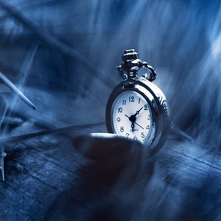 Фото Антикварные серебряные часы на цепочке (© D.Phantom), добавлено: 27.08.2011 02:57