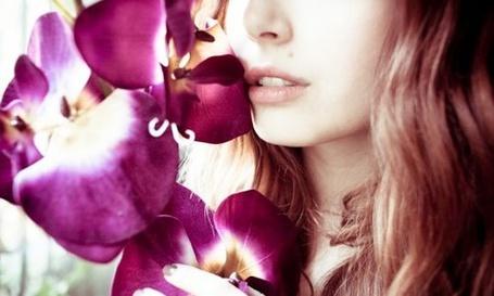 Фото Девушка с орхидеейд (© Lola_Weazlik), добавлено: 30.08.2011 16:40