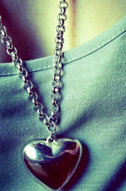 Фото сердце на аву в вк
