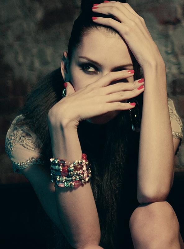 Фото Девушка в украшениях: http://photo.99px.ru/photos/27400/