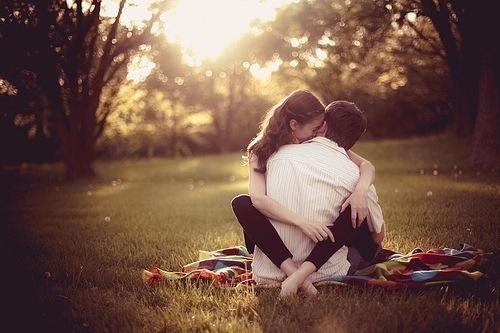 Фото Влюбленные на пикнике