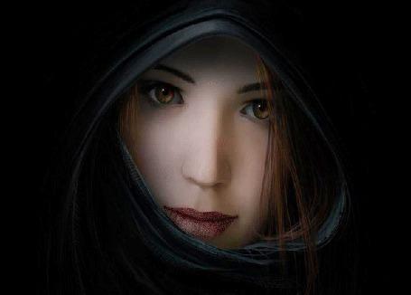 Фото Взгляд девушки меняется на мистически-колдовской