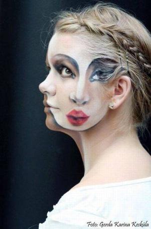 Фото Портрет девушки на лице у девушки