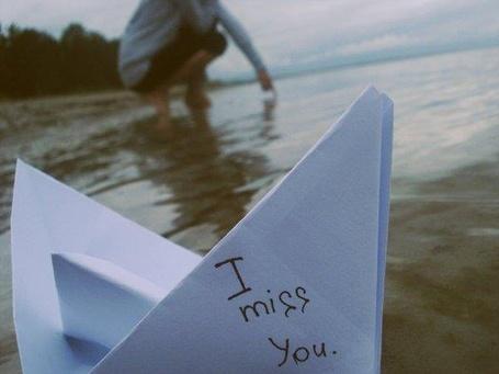 Фото Девушка пустила кораблик I miss you (© Юки-тян), добавлено: 10.09.2011 00:32