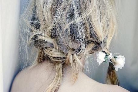 Фото Волосы, заплетенные в косу и резинка с цветами (© Шепот_дождя), добавлено: 20.09.2011 20:20