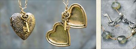 Фото Подвеска в форме сердца и ключи, и браслет с бусинами и ключом