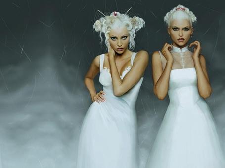 Фото Две вампирши в белых платьях