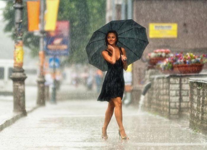 фото брюнеток под дождем-эя1