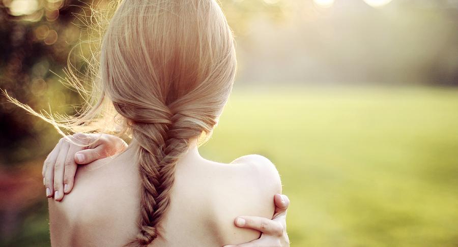 Картинка голова девушки сзади