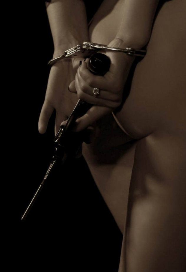 Мужчина в наручниках эро картинки фото 674-583