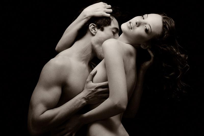 vlyublennie-pari-eroticheskie-foto