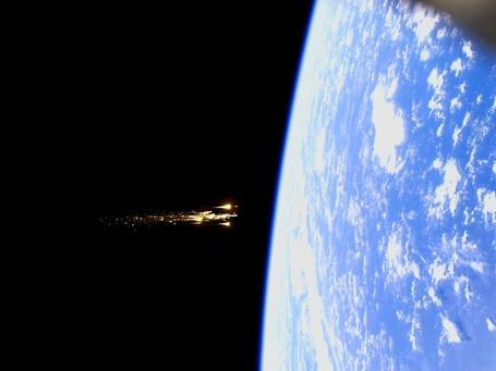 Фото Метеоритный поток летит на Землю из глубин Космоса