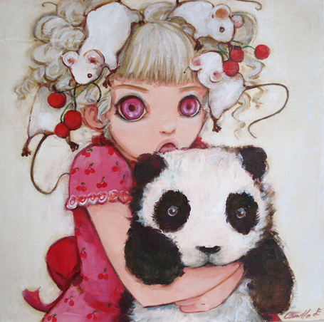 Фото Девочка с белыми мышами и красными ягодами на голове обнимает панду