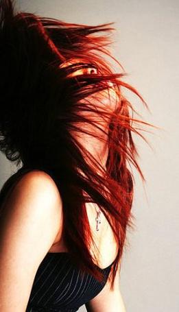Фото Рыжеволосая девушка с крестиком на шее (© Lola_Weazlik), добавлено: 16.10.2011 17:51