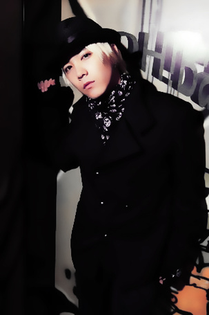 Фото Красивый юноша в шапке (© Panda white), добавлено: 20.10.2011 14:09