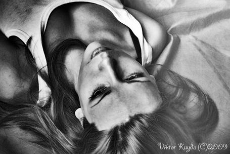 Фото Девушка лежит (фотограф Viktor Kuyda) (© Radieschen), добавлено: 22.10.2011 08:50
