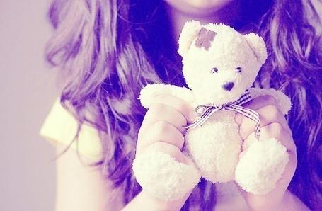 Фото Девушка с плюшевым медвежонком в руках (© Шепот_дождя), добавлено: 24.10.2011 03:37