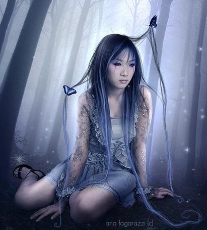 Фото В волосах печальной девушки бабочки  ([c]anafagarazzi)