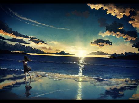 Фото Девушка идёт по берегу на закате (© alcatel), добавлено: 30.10.2011 15:36