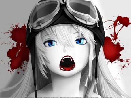 Фото Вампирка Синобу Осино / Shinobu Oshino из аниме Монстрассказы / Bakemonogatari в шапке пилота, на фоне кровавых пятен